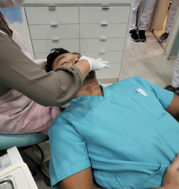 芦屋川聖栄歯科医院・矯正歯科 ガムマッサージ PMTC(Professional Mechanical Tooth Cleaning)